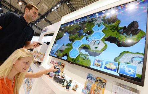 LG BRINGS POPULAR 'SKYLANDERS BATTLEGROUNDS' TO SMART TV PLATF