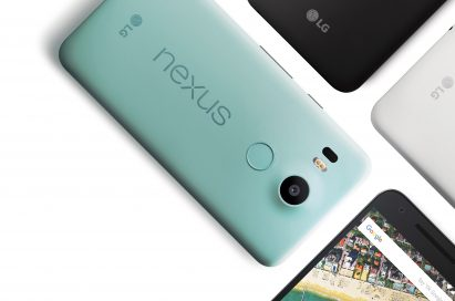 The front and back view of the Nexus 5X in Carbon Black, Quartz White and Ice Blue