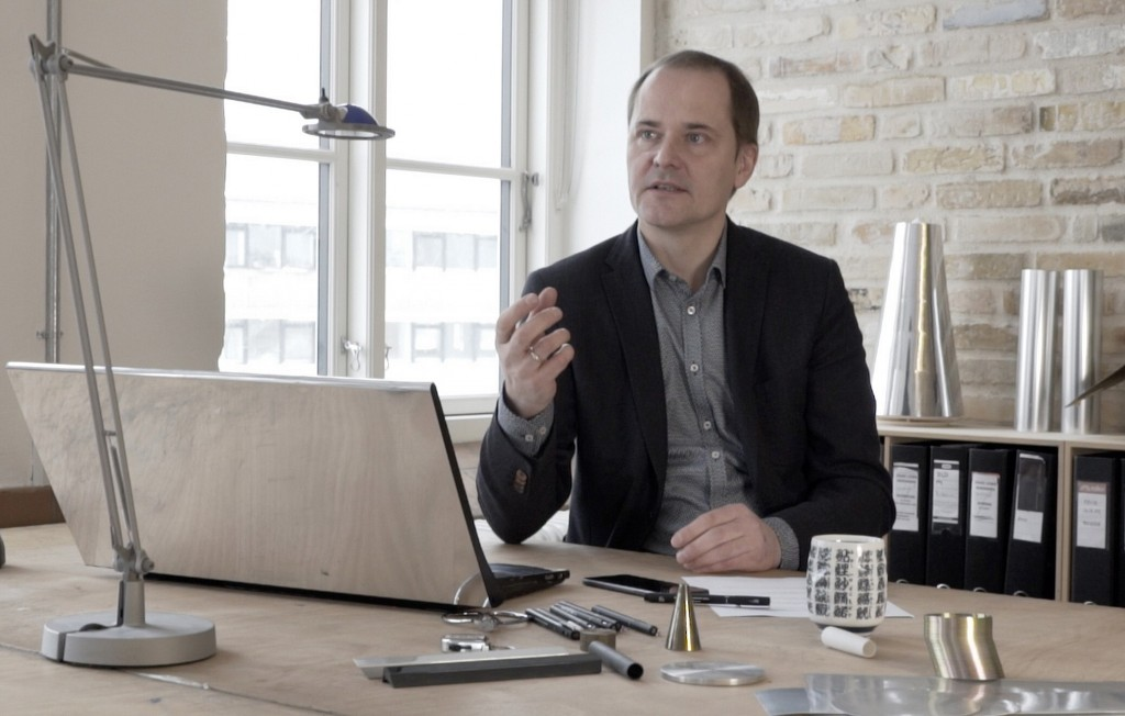 Industrial designer and president of David Lewis Designers Torsten Valeur during his interview with LG regarding the design of the LG G6
