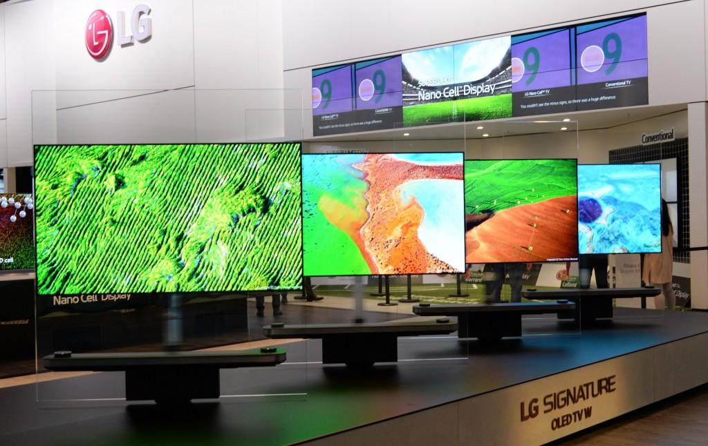 LG SIGNATURE TV W_01