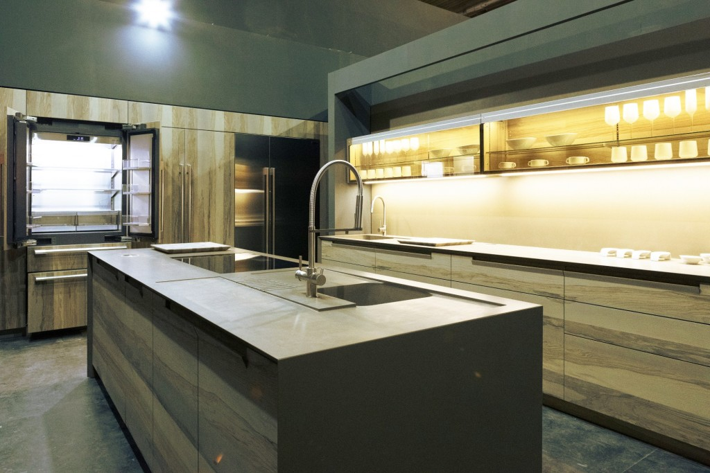A kitchen with SIGNATURE KITCHEN SUITE built-in appliances
