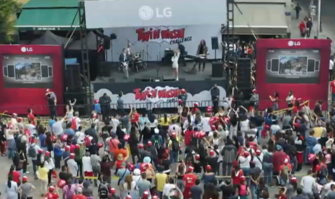 LG SINGS AND DANCES TO A WORLD RECORD (1)