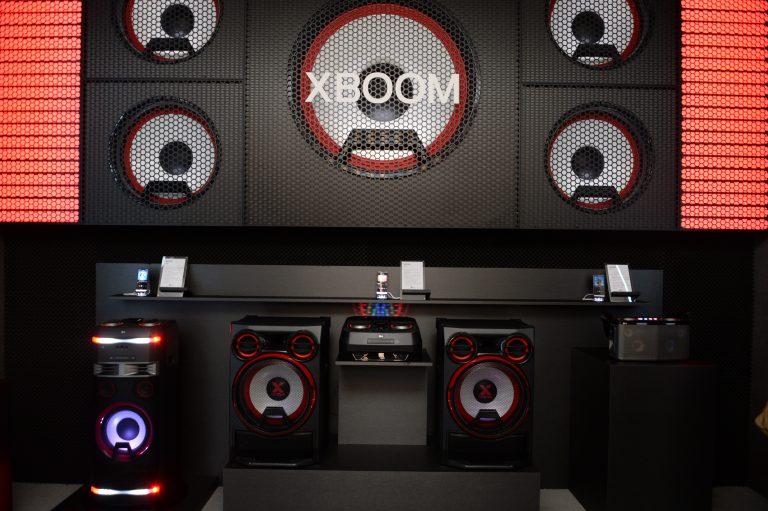 LG XBOOM 01