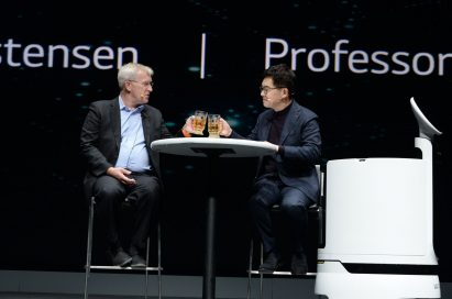 LG Electronics president and CTO Dr. I.P. Park is in a conversation with professor Henrik Christensen, director of the Contextual Robotics Institute at University of California San Diego.