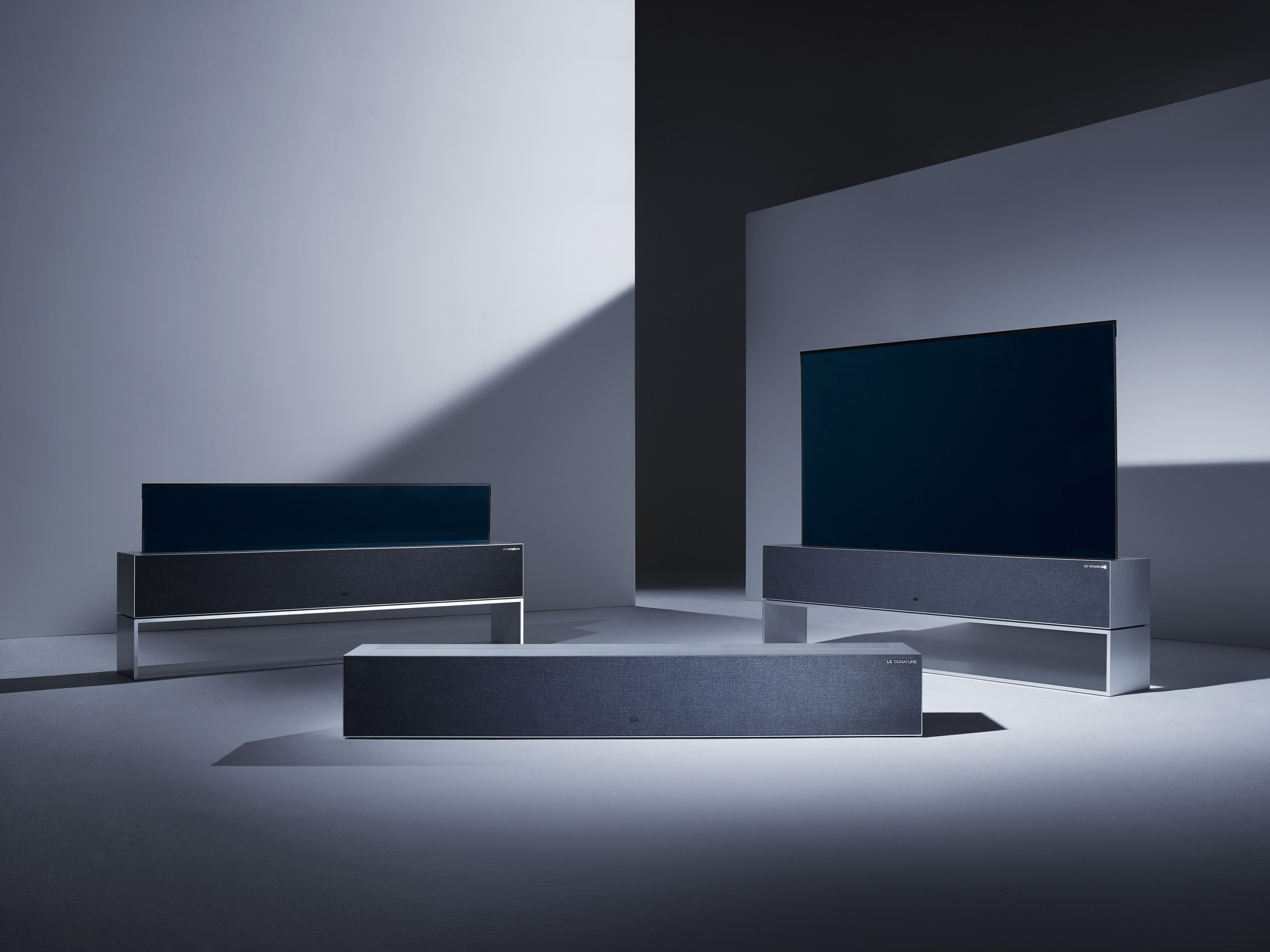 LG SIGNATURE OLED TV R 02