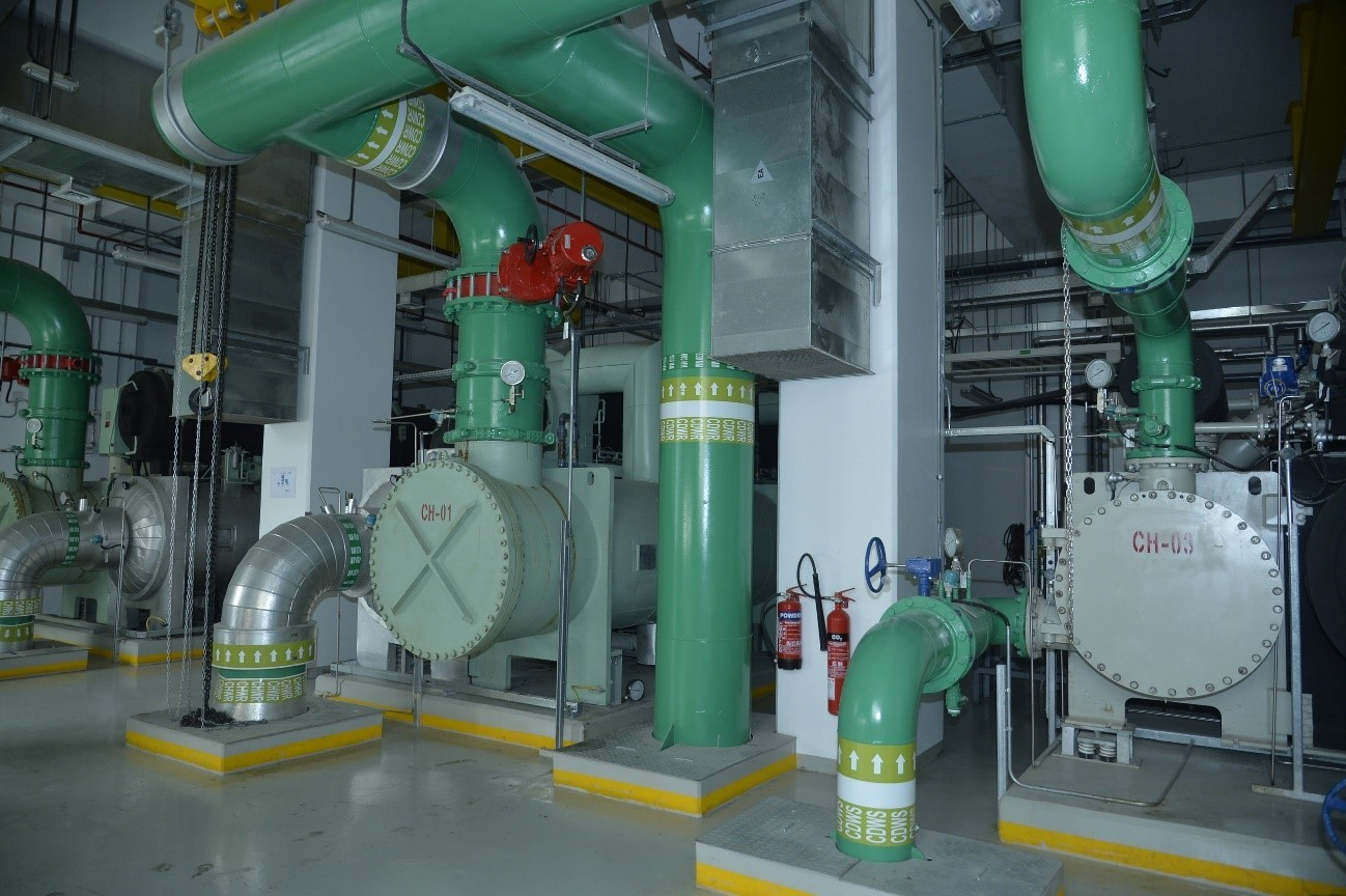 An inside view of a hotel's chiller facility equipped with LG's unique oil-free magnetic chillers.