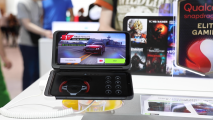 The new Dual Screen with the LG G8X ThinQ displays a racing game on the top screen and the game pad for racing games on the bottom screen respectively.