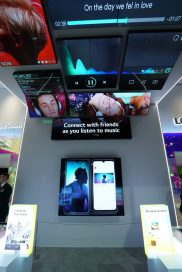 A closer look at LG G8X ThinQ's and Dual Screen's CES 2020 zone, with big screens illustrating the multi-tasking prowess of the smartphone duo