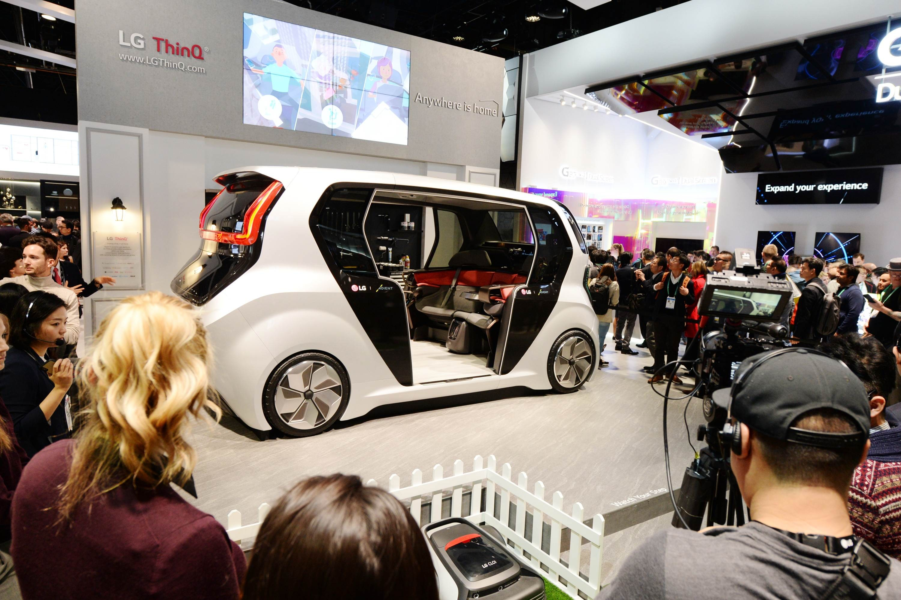 CES 2020 LG THINQ ZONE_CONNECTED CAR_ (1)