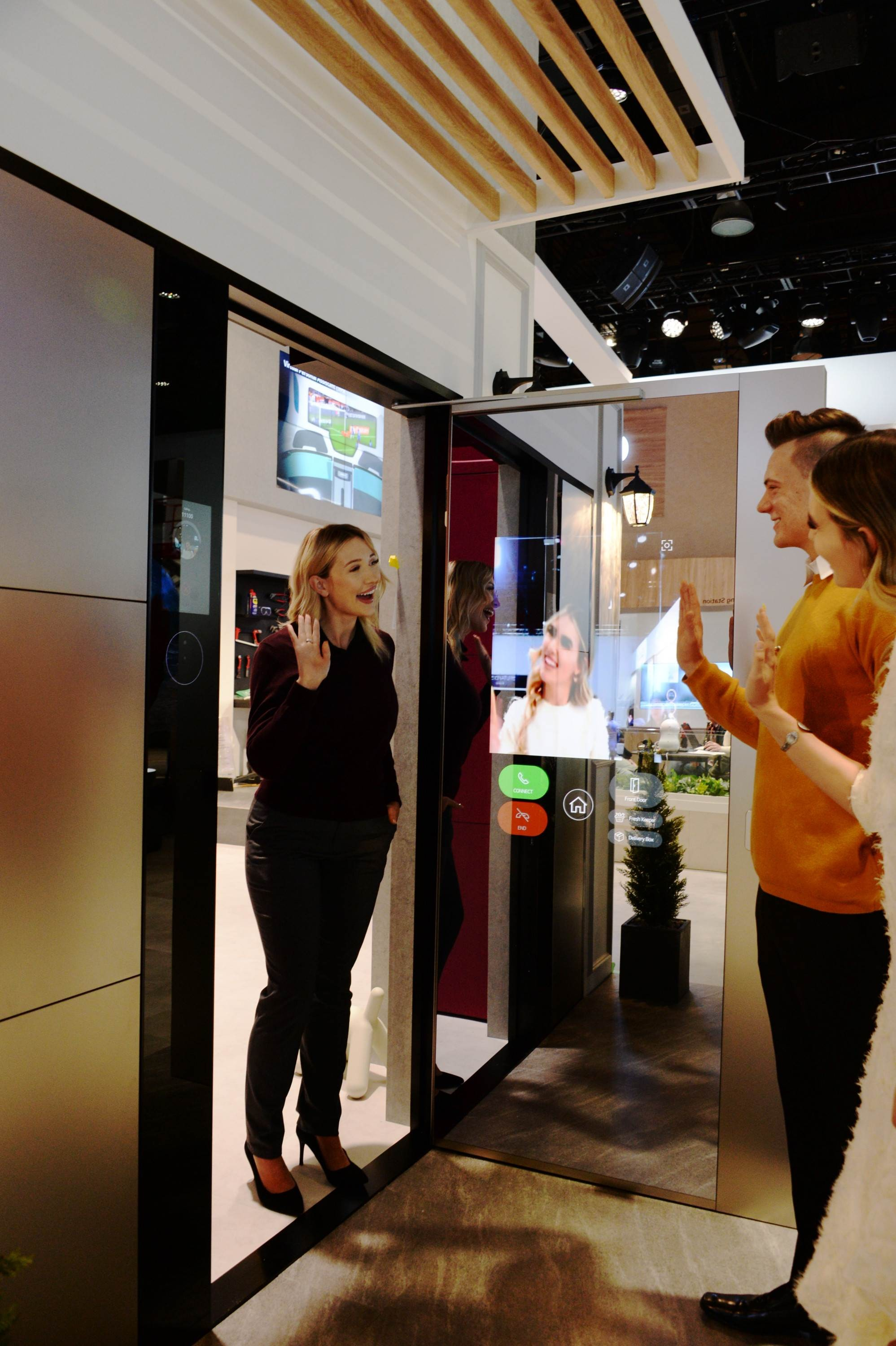 CES 2020 LG THINQ ZONE_SMART DOOR_ (2)