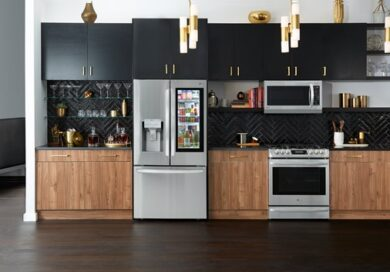 An array of LG appliances, including LG InstaView™ with Craft Ice™, fitted into a beautiful modern kitchen