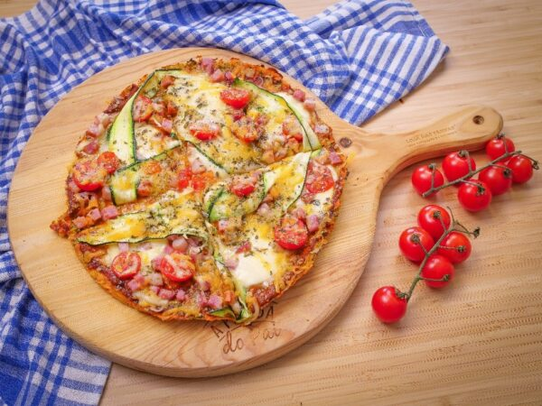 A mouthwatering pizza recently prepared at home with the help of LG NeoChef