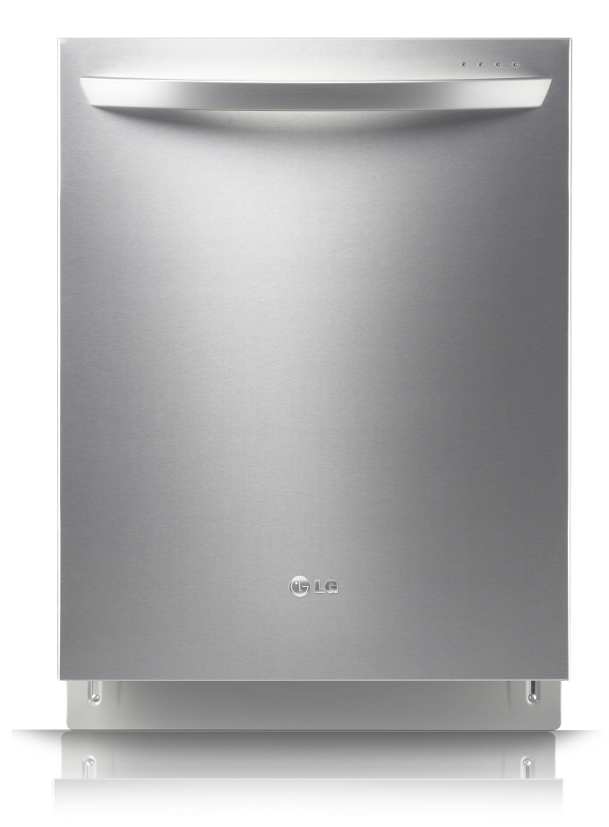Front view of the LG TrueSteam™ Dishwasher