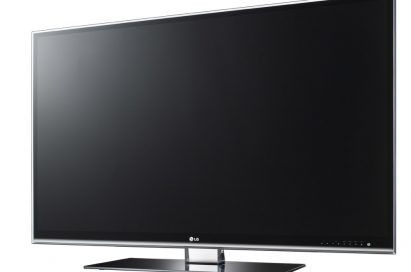Front view of LG's LW980S LCD TV facing 10 degrees to the left