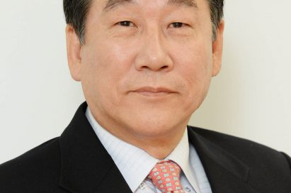 A headshot of David Jung, president and chief financial officer of LG
