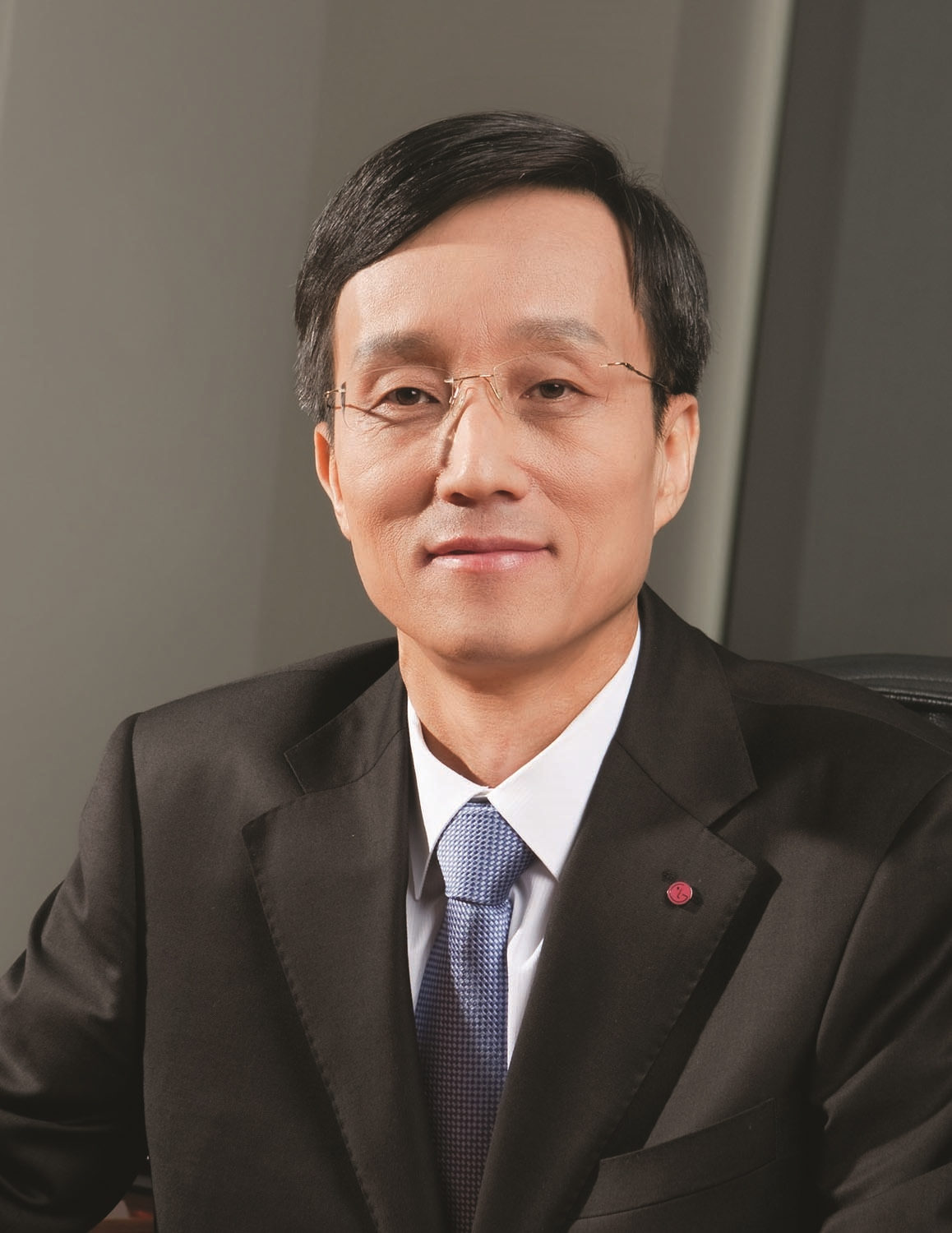 A headshot of Jong-seok Park, president and chief executive officer of the LG Mobile Communication Company.