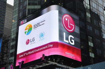 LG's outdoor LED display screens the video made by United Nations Environment Programme to commemorate World Environment Day.