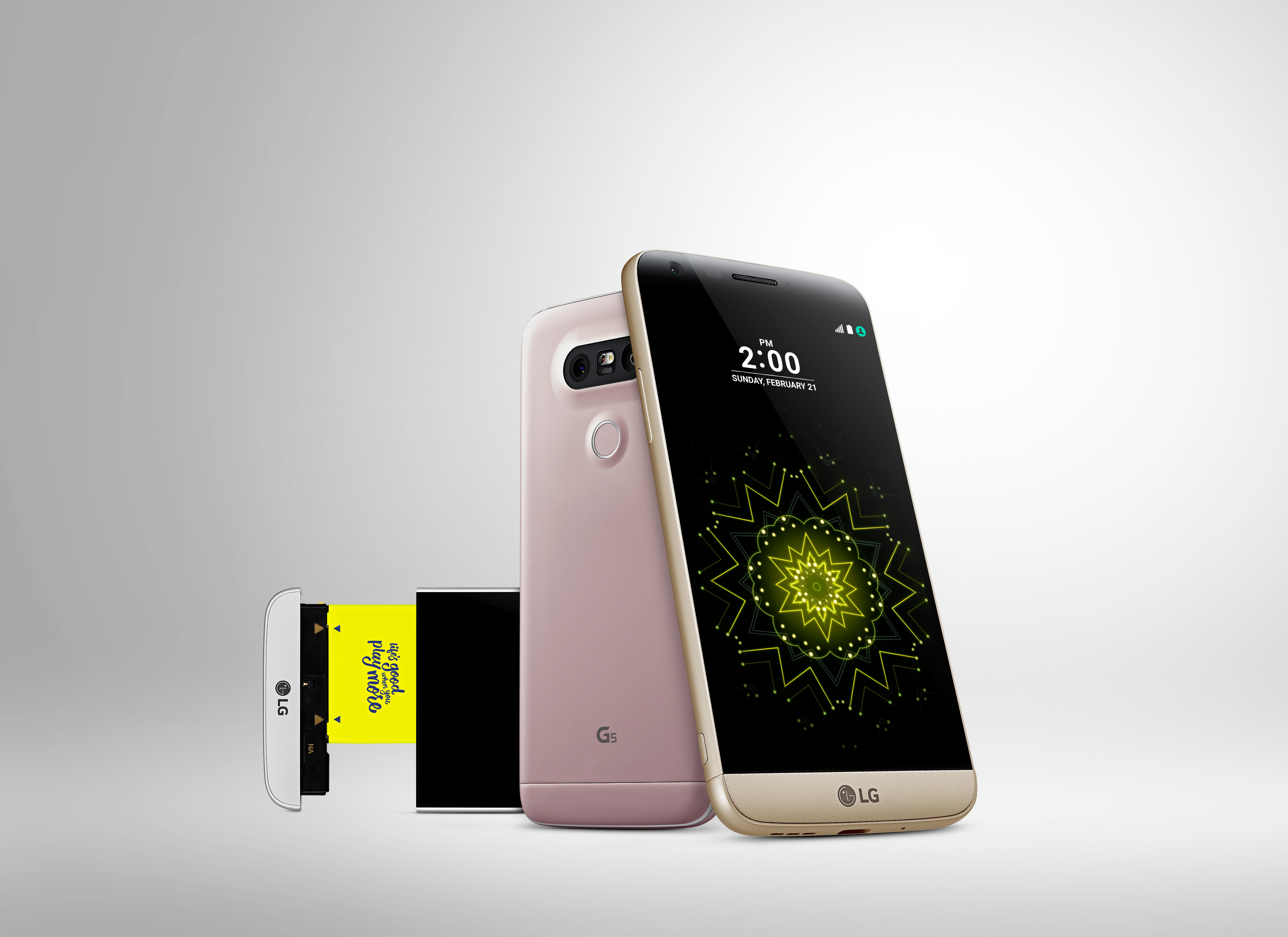 The front and back view of the LG G5 in Silver, Pink and Gold, with the Silver LG G5