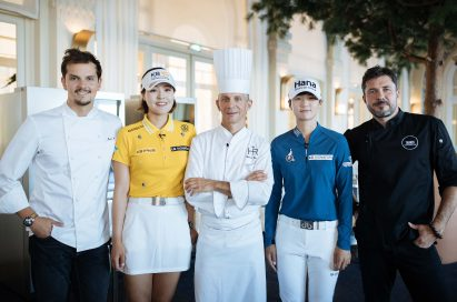 A group photo of star chefs Patrice Vander, Juan Arbelaez and Christopher Crell, and golfers Park Sung-hyun and Chun In-gee