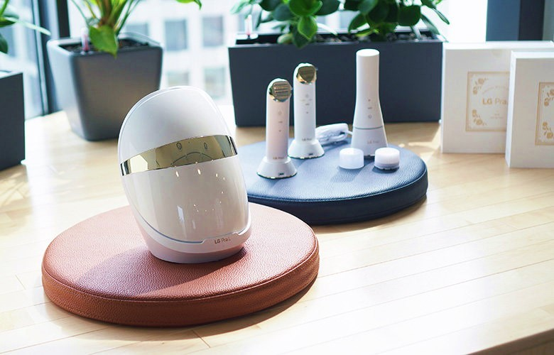 The LG Pra.L lineup including Dual Cleanser, Galvanic Ion Booster, Total Lift Up Care and Derma LED Mask
