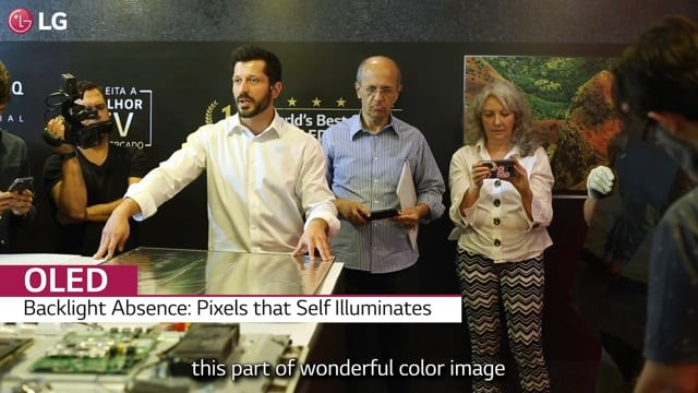 A two-minute video of Pedro Valery, head of TV Products at LG Electronics Brazil, explaining the parts found inside an LG OLED TV to media reporters, as he opens up one of LG's TVs to showcase its simple yet superior technology at Lab Tech LG.