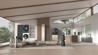 Various LG Objet Collection line-ups seamlessly fit into whole house including kitchen and living room.