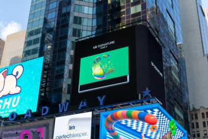 LG's digital billboard in Time Square, New York displaying an animation for LG SIGNATURE OLED Z representing the infinite and rich color of the product