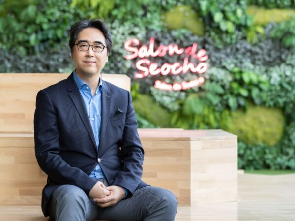 Dr. Kim Dong-wook, head of the DTX Center, posing outside the Salon de Seocho at one of LG Electronics' offices.
